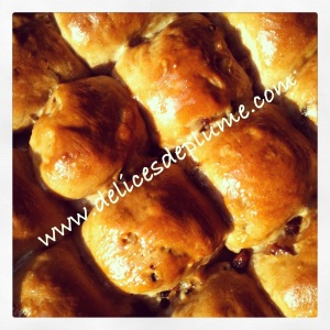 Hot cross buns vegan