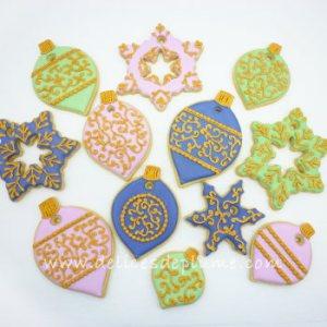 Biscuits décorés boules de Noël