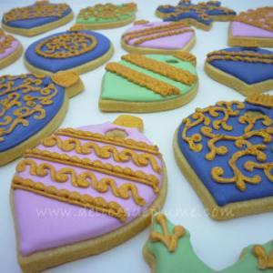 Biscuits de Noël décorés filigranes