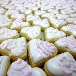 Biscuits décorés rose mariage