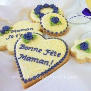 Biscuits décorés Bonne Fête Maman